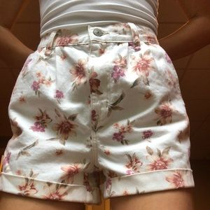Brand new American Eagle mom shorts